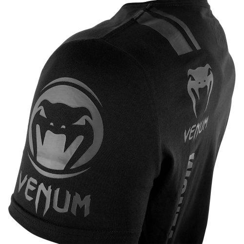 Venum logo shirt